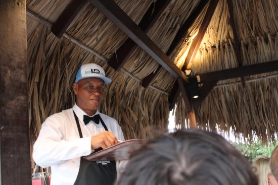 Plaza Resort Bonaire: Quincey is the MANNNNN