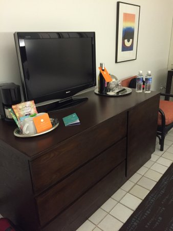 Waikiki Parc Hotel: Clean comfortable room