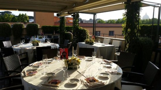 Matrimonio allestimento tavoli al roof picture of i sofa bar