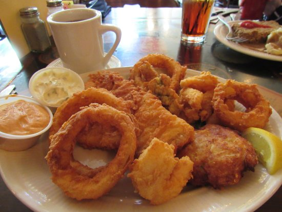 Smithfield, VA: Seafood Combo Platter with Onion Rings