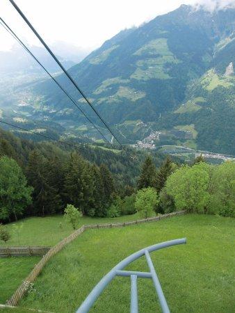 Seilbahnanlagen Hirzer s.r.l.: vista dalla stazione a monte
