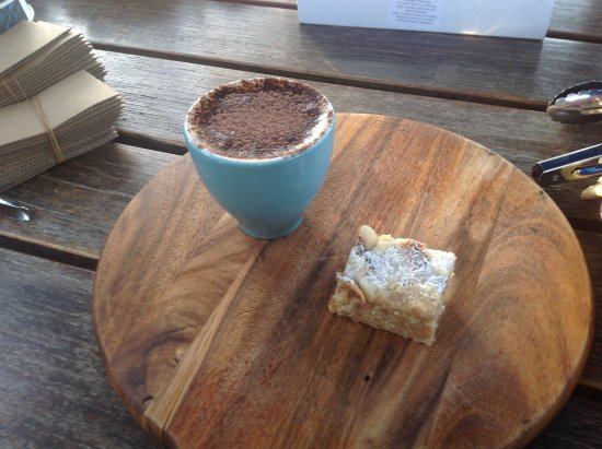 North Stradbroke Island, Australia: Coffee and a treat