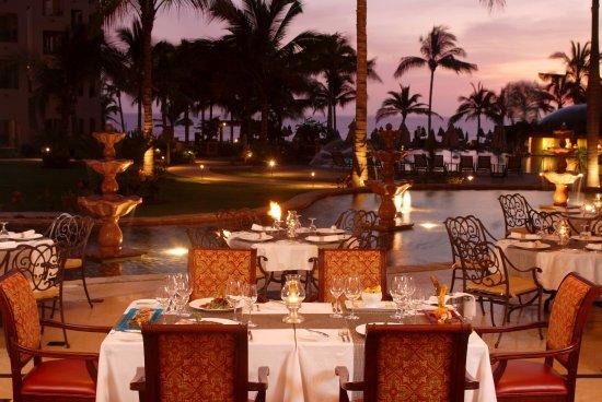Villa La Estancia: La Casona Restaurant
