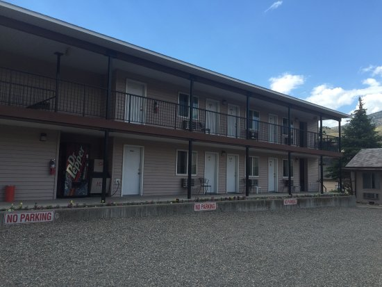 Yellowstone River Motel: photo1.jpg