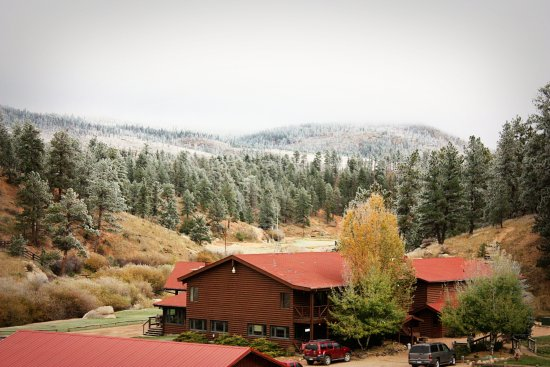 Sedalia, CO: Snow on Lodge