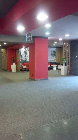 Entrada do Hotel IBIS Milano Ca Granda