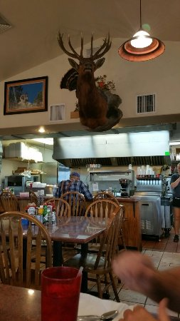 Colorado City, Kolorado: Good breakfast, good dinners, friendly people at Max's. I recommend it.