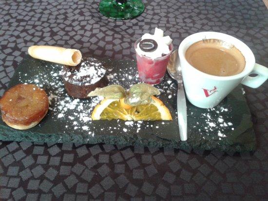 Seltz, Frankreich: café gourmand...