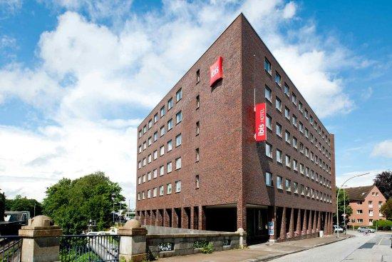 Ibis Hamburg Alsterring: Exterior