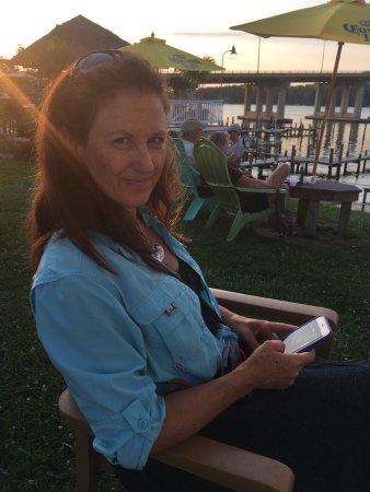 Edgewater, MD: Inside Coconut Joe's