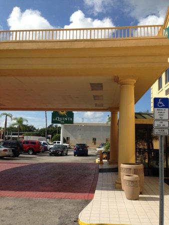 La Quinta Inn Tampa Near Busch Gardens Resmi