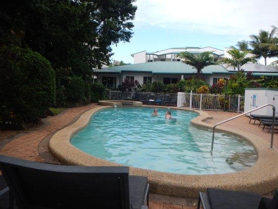 Beachfront Apartments on Trinity Beach: Nice pool area