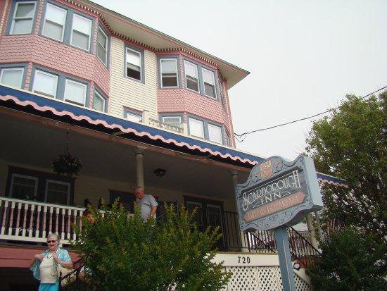 Scarborough Inn : Front of Inn