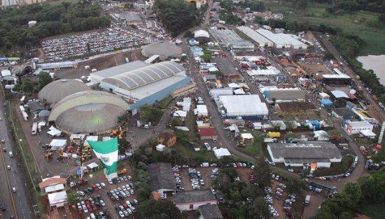 Parque de Exposicoes Tancredo de Almeida Neves