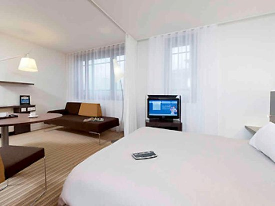Novotel Suites Cannes Centre: Guest Room
