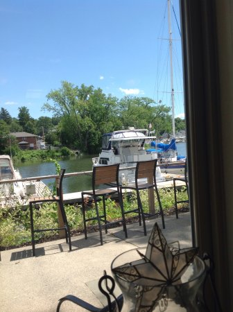 Кэтскилл, Нью-Йорк: View out the window of Creek Side Restaurant, Catskill, NY