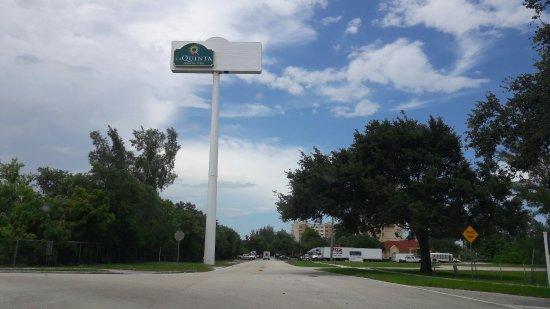 La Quinta Inn & Suites Ft. Lauderdale Airport: 20160630_141958_large.jpg