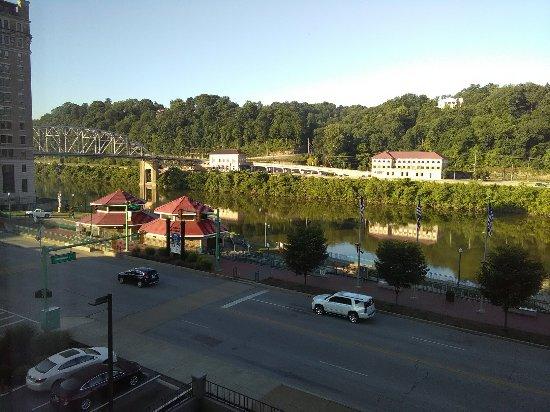 Charleston, فرجينيا الغربية: Riverfront view from room