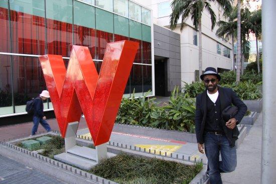 W Hollywood: Mon Arrivée