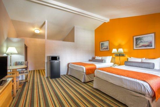 Howard Johnson Phoenix Airport/Downtown Area: 2queen bed room