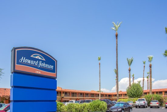 Howard Johnson by Wyndham Phoenix Airport/Downtown Area: out side