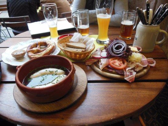 Theresienbräu: Prato típico