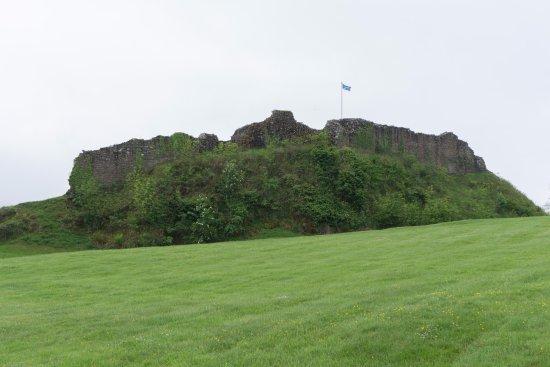 Urquhart Castle: Outside view