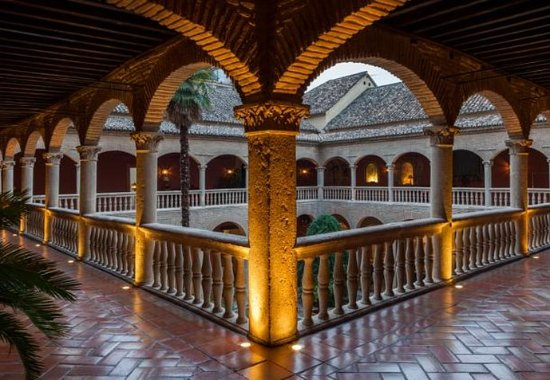 AC Palacio De Santa Paula, Autograph Collection: Convent Corridor