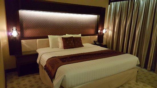 Kartika Chandra Hotel: 20160630_222407_large.jpg