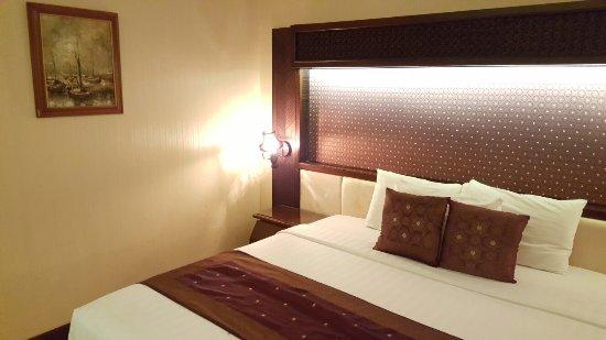 Kartika Chandra Hotel: 20160630_222457_large.jpg
