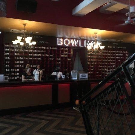 Bowlmor Lanes Midtown : photo6.jpg