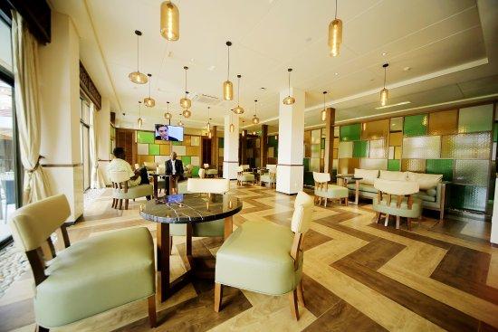 Hotel Africana: main bar
