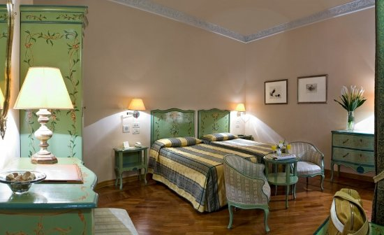 Pierre Hotel Florence: Guestroom Twin