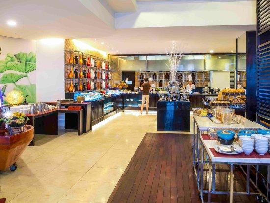 Novotel Ha Long Bay : Restaurant