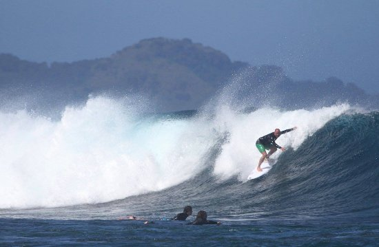 Matanivusi Surf Resort: one of the local surf breaks (Serua Lefts)