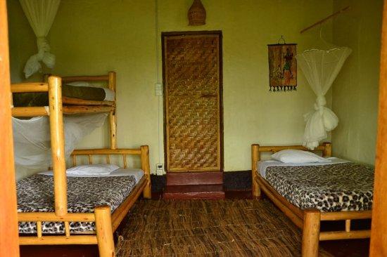 Pumba Safari Cottages: Our triple/family cottage Sun Bird
