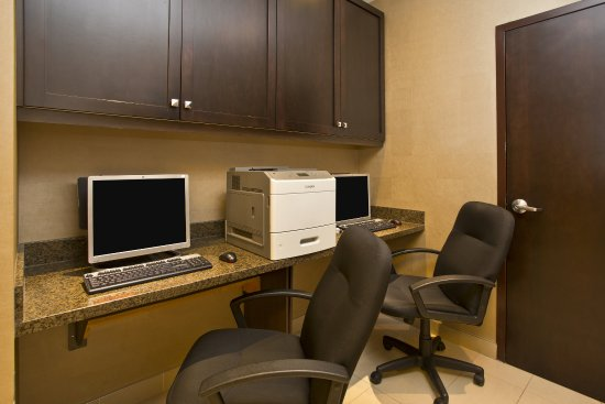 Holiday Inn Express Hotel & Suites Kingston: Print documents or check email in our Business Center