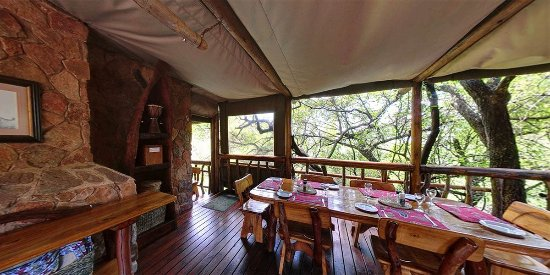 Black Leopard Camp: Communal dining room
