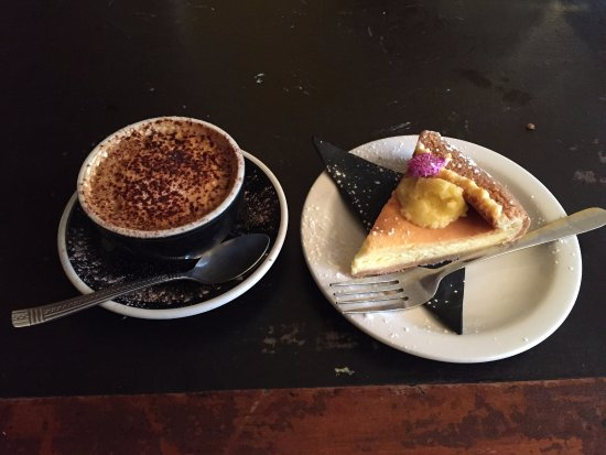 Gisborne, New Zealand: Coffee and cheese cake