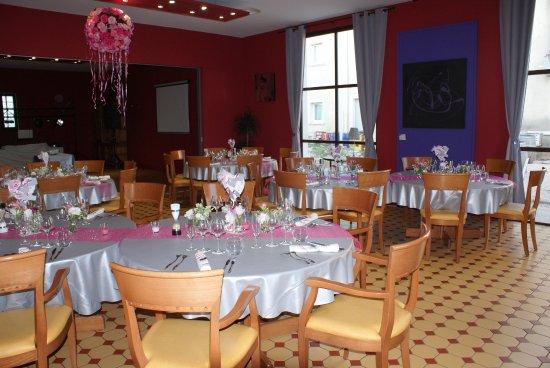 d coration de la salle de restaurant picture of la table du palais orange tripadvisor. Black Bedroom Furniture Sets. Home Design Ideas