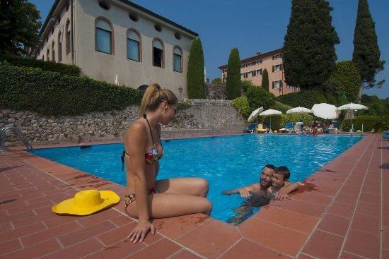La filanda villaggio albergo hotel costermano italia - Piscina g conti verona ...