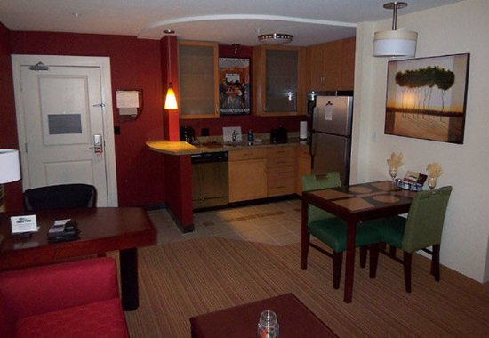 Residence Inn North Conway : Studio Suite Kitchen Area