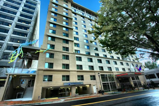 Bethesda, MD: Hotel Exterior Panoramic View