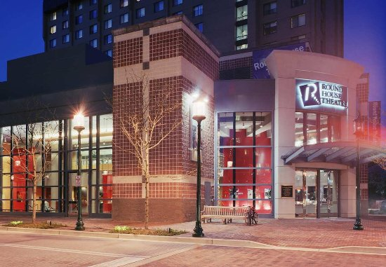 Bethesda, MD: Roundhouse Theatre
