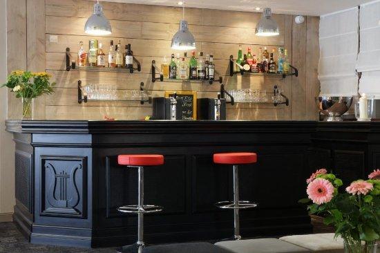 Best Western Plus l'Artist Hôtel : bar