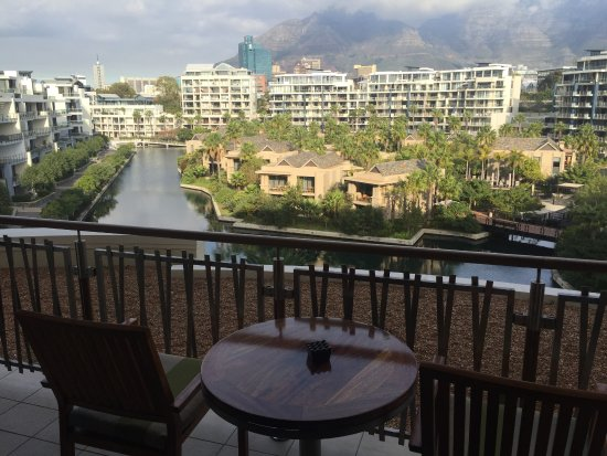 One&Only Cape Town: STUNNING VIEWS OF TABLE MONTAIN