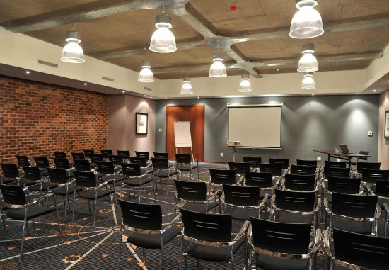 Protea Hotel O.R. Tambo Airport: Conference Room - Theater Setup