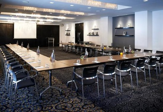 Protea Hotel Fire & Ice Melrose Arch: Milan Meeting Room – U-Shape Setup