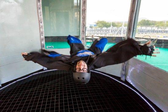 风动飞行之旅-室内跳伞
