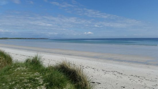 Kirkapol House: Tiree is covered in beautiful beaches like this